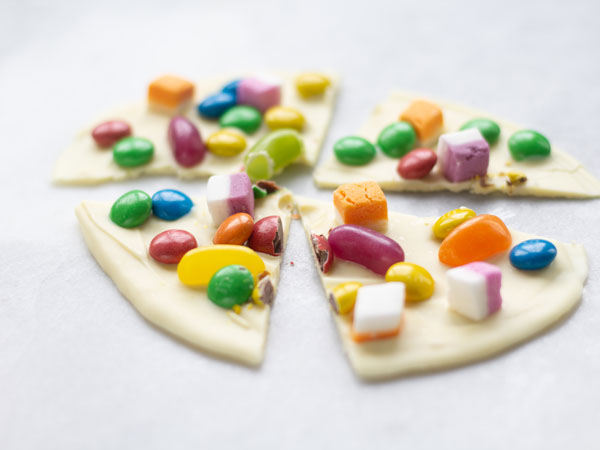 chocolate lolly pizza